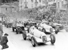 Mercedes W25s & Alfa Romeo P3 1935 Monaco Grand Prix start